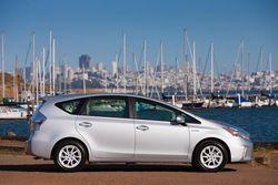 2012-Toyota-Prius-v-Entune-Bing